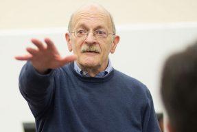 Pitt Business professor Bob Atkin teaching